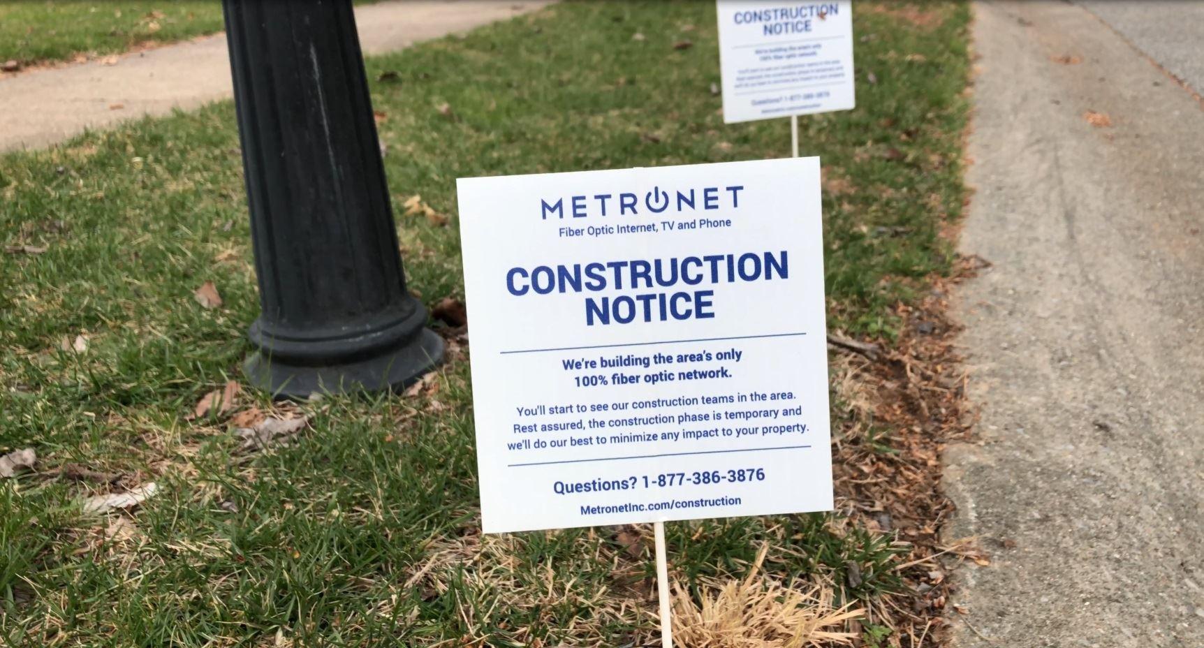MetroNet signs